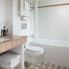 Отель Rives De Notre Dame Париж ванная