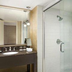 Отель Sheraton Cavalier Calgary Hotel Канада, Калгари - отзывы, цены и фото номеров - забронировать отель Sheraton Cavalier Calgary Hotel онлайн ванная