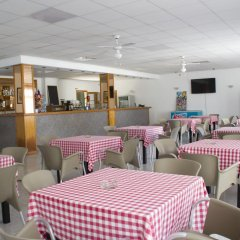 Отель Apartamentos Mar Blanca гостиничный бар