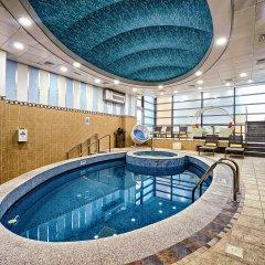 Saraya Corniche Hotel бассейн