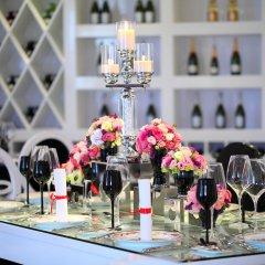 Отель Chloe Gallery гостиничный бар