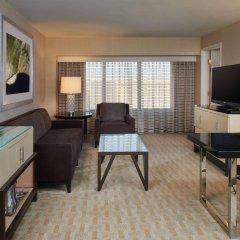 Отель Hilton Los Angeles Airport США, Лос-Анджелес - 10 отзывов об отеле, цены и фото номеров - забронировать отель Hilton Los Angeles Airport онлайн комната для гостей фото 3