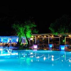 Отель Belcekiz Beach Club - All Inclusive бассейн
