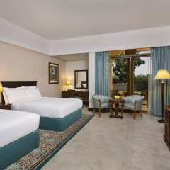 Отель Hilton Al Hamra Beach & Golf Resort комната для гостей фото 2