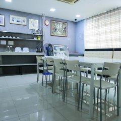 Отель OYO Rooms Jalan Petaling Малайзия, Куала-Лумпур - отзывы, цены и фото номеров - забронировать отель OYO Rooms Jalan Petaling онлайн питание