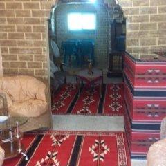 Отель Why not bedouin house Иордания, Вади-Муса - отзывы, цены и фото номеров - забронировать отель Why not bedouin house онлайн комната для гостей фото 3