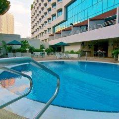 Отель Swiss-Garden Hotel Kuala Lumpur Малайзия, Куала-Лумпур - 2 отзыва об отеле, цены и фото номеров - забронировать отель Swiss-Garden Hotel Kuala Lumpur онлайн бассейн фото 3