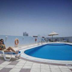 Отель Capitol Reseidence Dubai ОАЭ, Дубай - отзывы, цены и фото номеров - забронировать отель Capitol Reseidence Dubai онлайн бассейн
