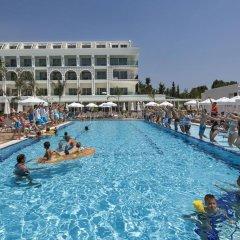 Отель Karmir Resort & Spa бассейн
