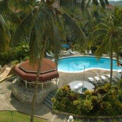 Отель Fishermans Point Resort бассейн