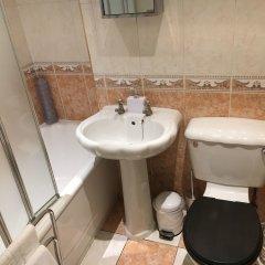 Отель Glasgow Calton House Великобритания, Глазго - отзывы, цены и фото номеров - забронировать отель Glasgow Calton House онлайн ванная фото 2