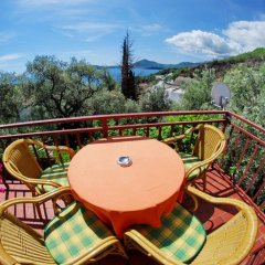 Отель Elena Guest House балкон