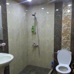 Отель Гостевой дом Kecharetsi Армения, Цахкадзор - отзывы, цены и фото номеров - забронировать отель Гостевой дом Kecharetsi онлайн ванная
