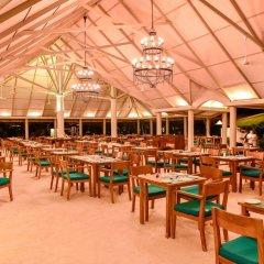 Отель Adaaran Select Hudhuranfushi Остров Гасфинолу питание фото 2