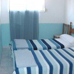 Отель Pensión Doña Lola Торремолинос комната для гостей фото 5