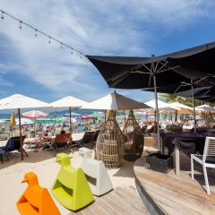 Отель The Bay and Beach Club гостиничный бар