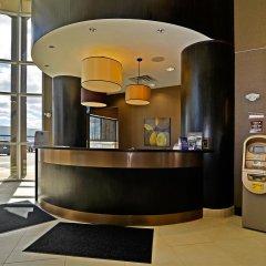 Отель Best Western Premier Freeport Inn Calgary Airport Канада, Калгари - отзывы, цены и фото номеров - забронировать отель Best Western Premier Freeport Inn Calgary Airport онлайн интерьер отеля фото 2