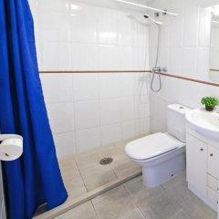 Отель Apartamentos Villa de Madrid Испания, Бланес - отзывы, цены и фото номеров - забронировать отель Apartamentos Villa de Madrid онлайн ванная фото 2