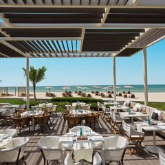 Отель The Oberoi Beach Resort, Al Zorah питание фото 2