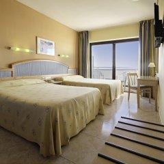 Отель azuLine Hotel Bergantín Испания, Сан-Антони-де-Портмань - отзывы, цены и фото номеров - забронировать отель azuLine Hotel Bergantín онлайн комната для гостей фото 3