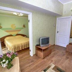 Гостиница Moskva Hotel в Алуште 9 отзывов об отеле, цены и фото номеров - забронировать гостиницу Moskva Hotel онлайн Алушта комната для гостей фото 4