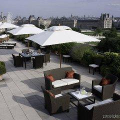 Отель Le Meurice бассейн