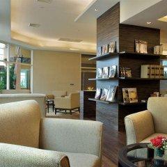 The Narathiwas Hotel & Residence Sathorn Bangkok развлечения