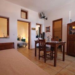 Отель Vrachia Studios & Apartments Греция, Остров Санторини - отзывы, цены и фото номеров - забронировать отель Vrachia Studios & Apartments онлайн комната для гостей фото 5