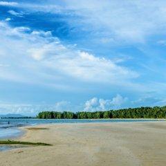 Отель L'esprit de Naiyang Beach Resort пляж