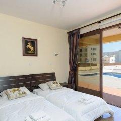 Отель Fig Tree Bay Villa 10 Кипр, Протарас - отзывы, цены и фото номеров - забронировать отель Fig Tree Bay Villa 10 онлайн комната для гостей фото 3