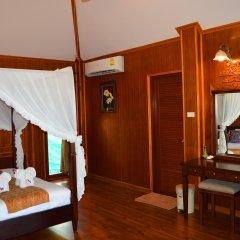 Отель Sayang Beach Resort Ланта сейф в номере