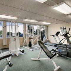 Howard Johnson Inn Fullerton Hotel and Conference Center фитнесс-зал