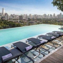Отель Sofitel So Bangkok Таиланд, Бангкок - 2 отзыва об отеле, цены и фото номеров - забронировать отель Sofitel So Bangkok онлайн бассейн фото 2