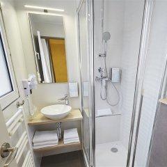 Отель Campanile Paris 14 - Maine Montparnasse Франция, Париж - 3 отзыва об отеле, цены и фото номеров - забронировать отель Campanile Paris 14 - Maine Montparnasse онлайн ванная фото 2