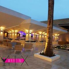 Отель Royalton White Sands All Inclusive Ямайка, Дискавери-Бей - отзывы, цены и фото номеров - забронировать отель Royalton White Sands All Inclusive онлайн бассейн