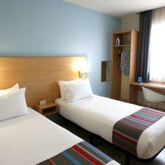 Отель Travelodge Madrid Torrelaguna комната для гостей фото 5