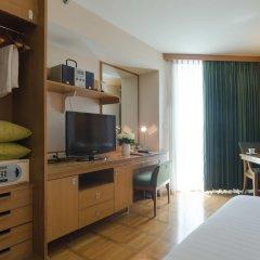 Отель At Ease Saladaeng сейф в номере