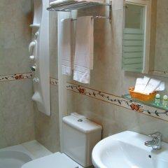 Отель Aldama Golf Испания, Льянес - отзывы, цены и фото номеров - забронировать отель Aldama Golf онлайн ванная фото 2