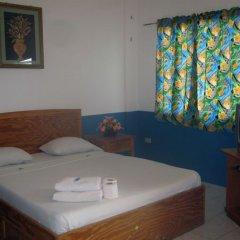 Отель Daniela's Place Филиппины, Пампанга - отзывы, цены и фото номеров - забронировать отель Daniela's Place онлайн комната для гостей фото 5