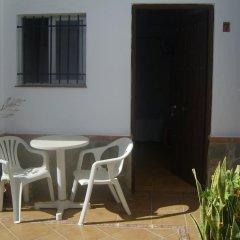 Отель Hostal El Canario Испания, Кониль-де-ла-Фронтера - отзывы, цены и фото номеров - забронировать отель Hostal El Canario онлайн балкон