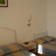 Отель Albergo B&b Serafini Римини комната для гостей фото 2