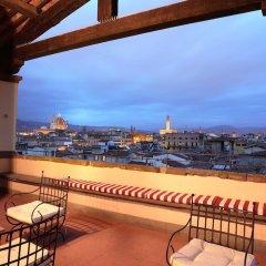 Отель All-Suites Palazzo Magnani Feroni Италия, Флоренция - 1 отзыв об отеле, цены и фото номеров - забронировать отель All-Suites Palazzo Magnani Feroni онлайн балкон