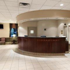 Отель Travelodge by Wyndham Calgary International Airport South Канада, Калгари - отзывы, цены и фото номеров - забронировать отель Travelodge by Wyndham Calgary International Airport South онлайн интерьер отеля