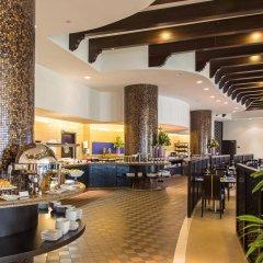 Отель The Ajman Palace питание