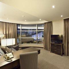 Отель The Salisbury - YMCA of Hong Kong Люкс с различными типами кроватей фото 4
