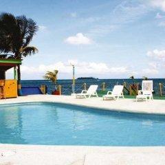 Отель Tres Casitas Welcome Колумбия, Сан-Андрес - отзывы, цены и фото номеров - забронировать отель Tres Casitas Welcome онлайн бассейн фото 2