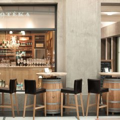 Отель Old Town Boutique Suites гостиничный бар