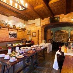 Отель Meidan Suites Грузия, Тбилиси - отзывы, цены и фото номеров - забронировать отель Meidan Suites онлайн питание