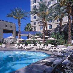 Отель Hilton Grand Vacations on Paradise (Convention Center) бассейн фото 3