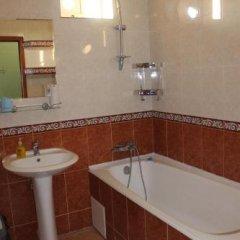 Гостиница Руслан в Сочи отзывы, цены и фото номеров - забронировать гостиницу Руслан онлайн ванная фото 2